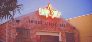 The red star logo on Banh Shop before it was removed.